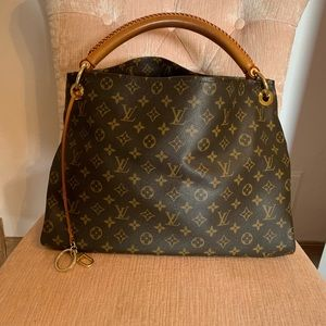 Artsy GM monogram Louis Vuitton